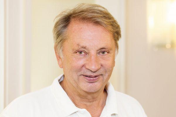 Zahnarzt Dr. med. dent. Martin Tigges aus Rösrath